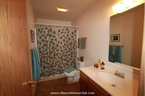 Furnished Apartments Cedar Rapids Ia At 6214 Rockwell Almosthomeusa Com Almost Home